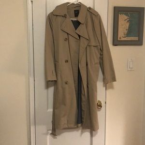 Gap Trenchcoat